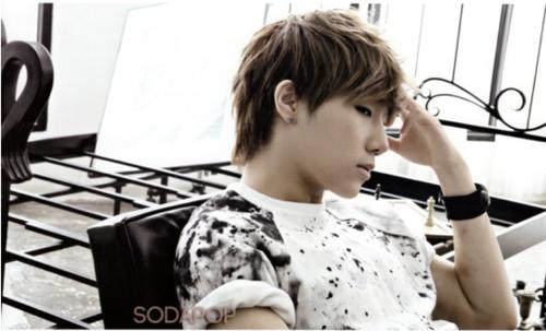 -Sunggyu-sunggyu-sungkyu-35987528-500-303