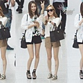 130526 YoonSic Incheon Airport 在台灣機場放閃