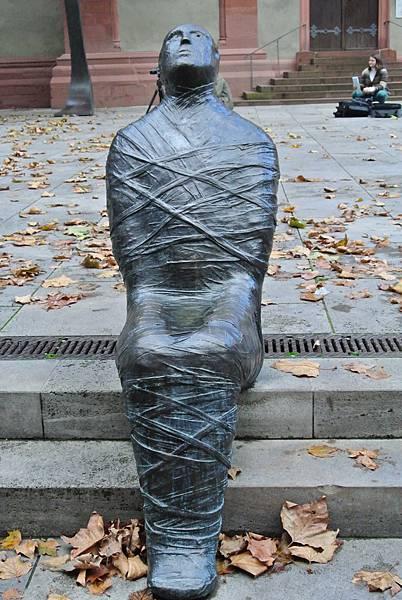 特地找的雕像.JPG