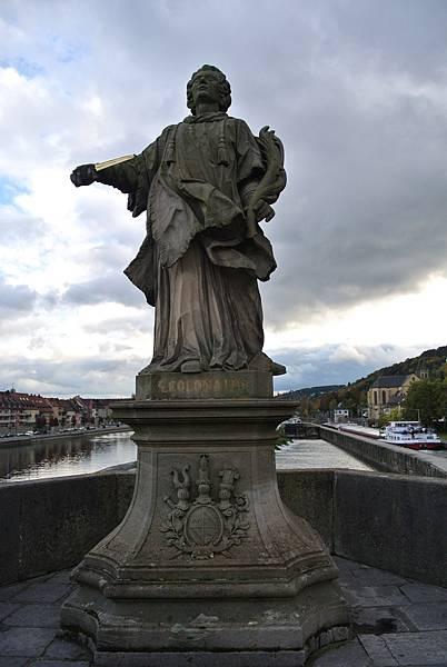 雕像2(St. Colmán 聖柯爾曼).JPG