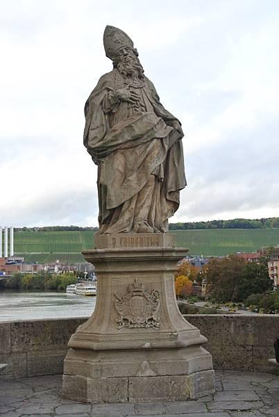 雕像11(S.Fridericus  聖弗里德里希主教).JPG