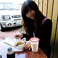 綺綺推薦:冬瓜牛奶(超好喝)、碗粿