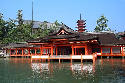 巖島神社-來源為官網照片.jpg