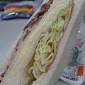 小 7 光合三明治之培根火腿蛋拆開來看