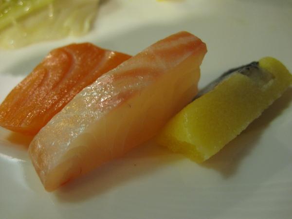 我也來嚐嚐生魚片