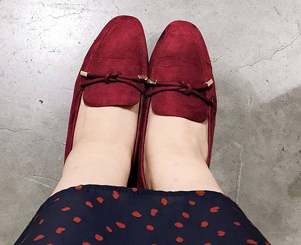 D+af小金飾綁結絨料樂福鞋