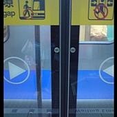 台北捷運自動門