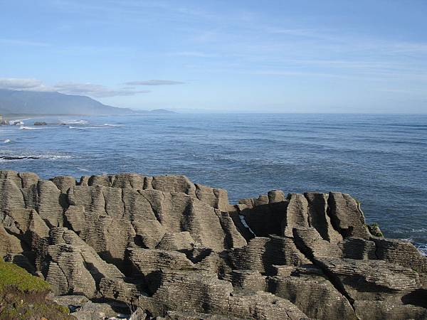 Pancake Rocks and the ocean
