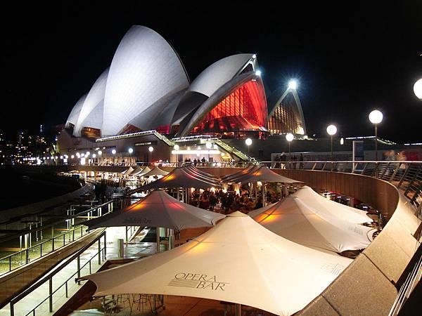 夜晚的歌劇院