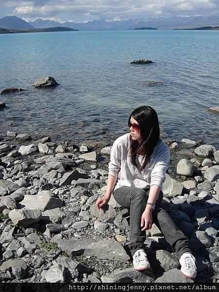 Tekapo湖邊