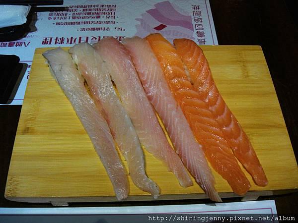 真的是很長的壽司!