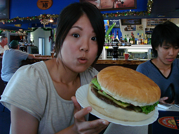 Lyttelton的大漢堡!