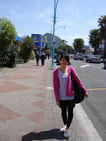 Mt Maunganui山腳邊的熱鬧街道