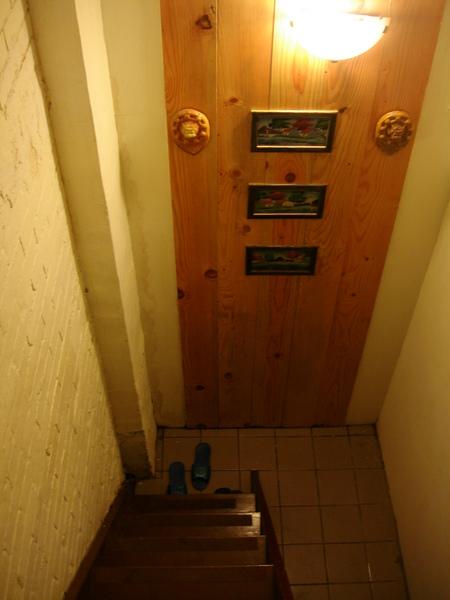 九份老舍民宿。秘密閣樓房