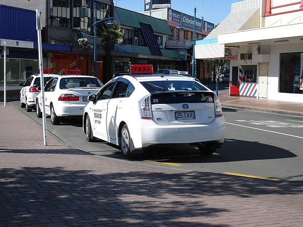 計程車的車牌就是TAXI