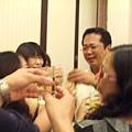 舉杯慶祝.JPG