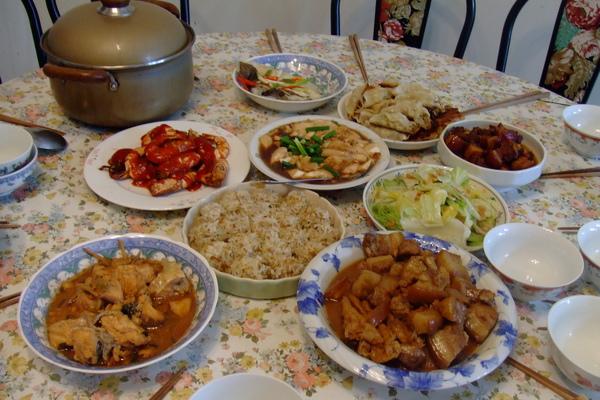 大姑丈做的一桌好料理.JPG