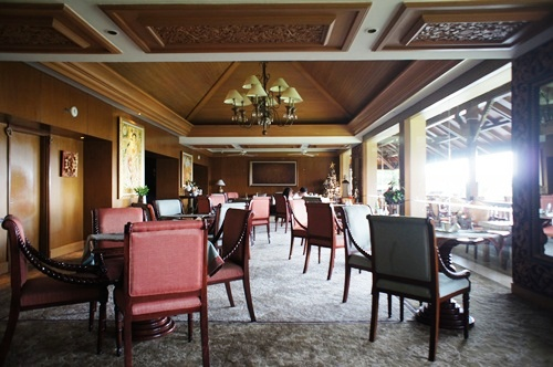 ayana Club Room