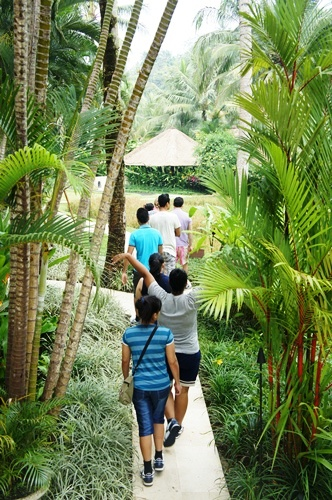 Four Seasons Sayang village tour