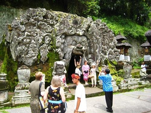 Goa Gajah ubud elephant cave