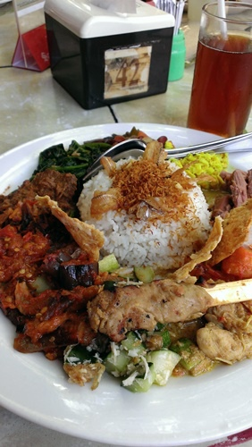Made Warung Nasi Campur