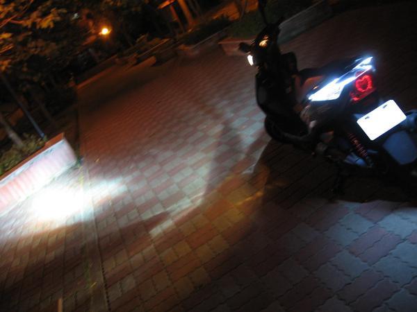 HID 4300K+後扶手LED燈