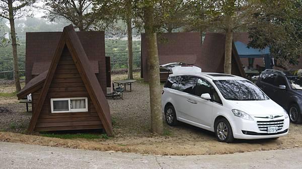 原來我們的車很配露營地耶