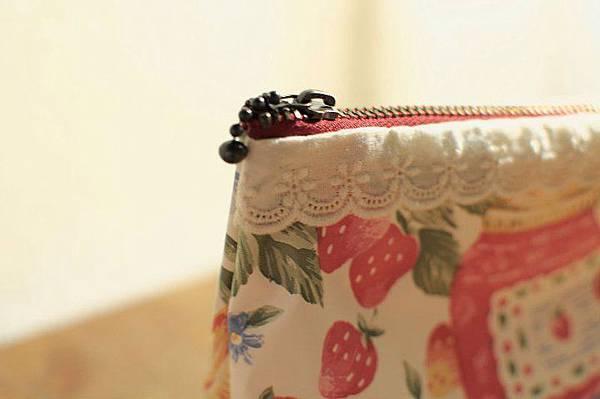 991008防水萬用化妝包-草莓果醬5.jpg
