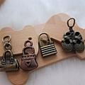 古銅吊飾~鞋包類