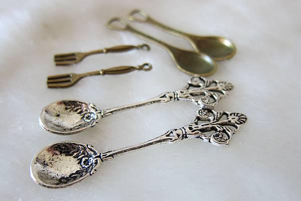 古銅吊飾~湯匙叉子