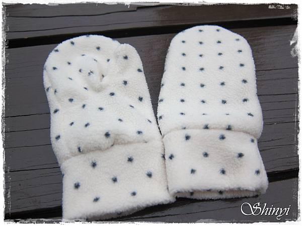 1000110嬰兒滿月禮-冬季1號-手套a.JPG
