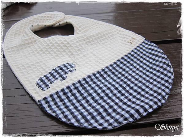 1000110嬰兒滿月禮-冬季1號-圍兜a.JPG