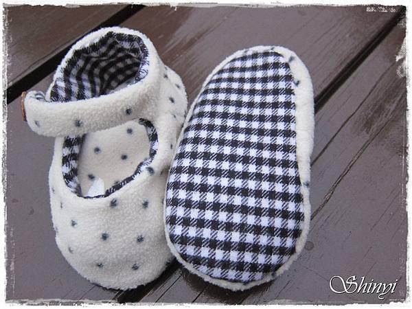 1000110嬰兒滿月禮-冬季1號-鞋子a.JPG
