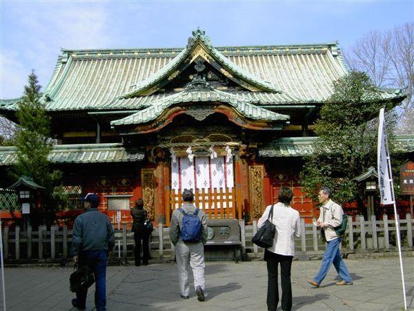 小小一間的東照宮隱身在上野公園內
