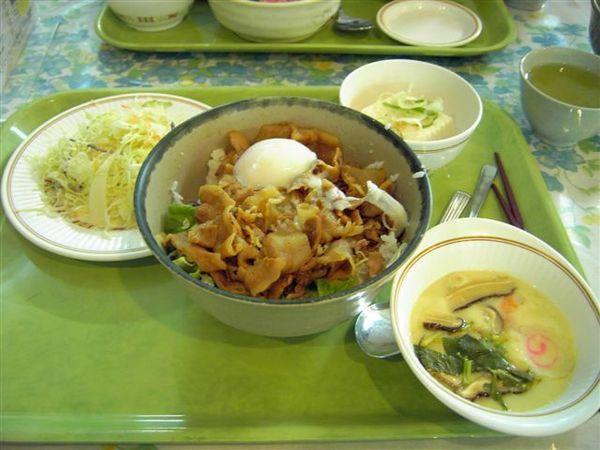 東大中央食堂定食E 510円