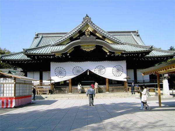 早上第一站又來到靖國神社