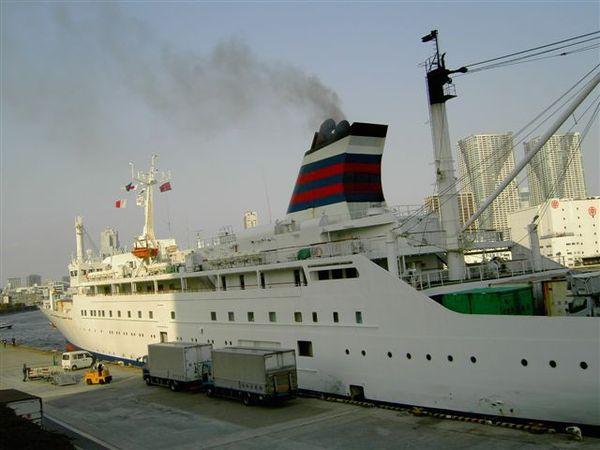 大型遊艇要離港