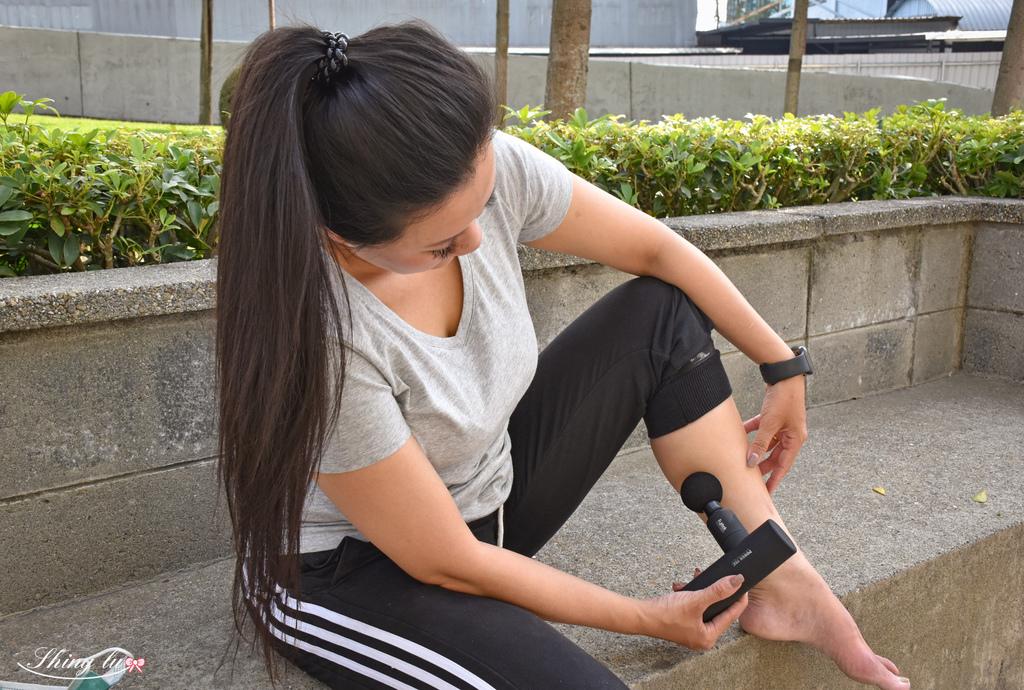 富士電通-極速輕量USB充電筋膜槍5-1.jpg