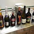 噹~ 居然有7大瓶酒!