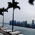 57樓高的游泳池