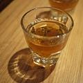 吃拉麵配威士忌