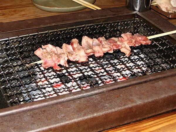 烤肉串(雞肉比較好吃)
