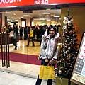 聖誕夜的三越百貨門口