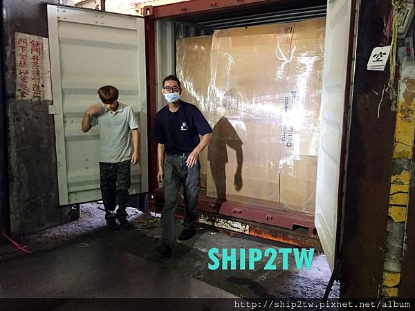 ship2tw美國倉庫現場工作照片