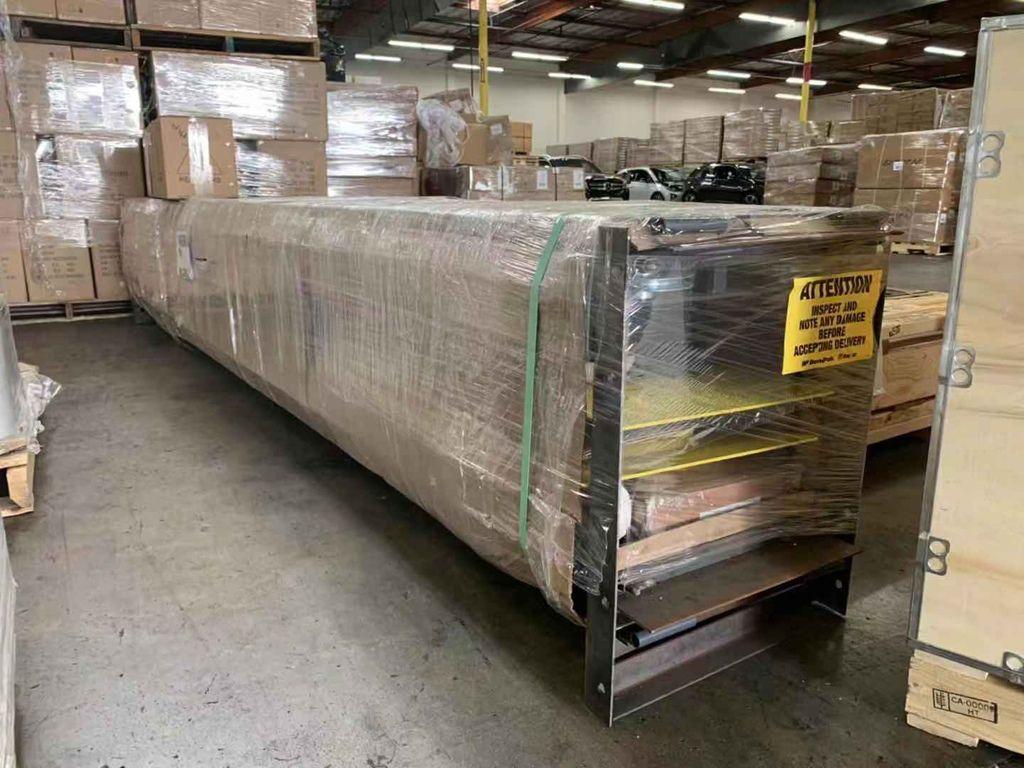 ship2tw倉庫收到張老闆購買四柱頂車機和腳輪套件的照片,  可以看到ship2tw已經做好加固可以準備裝櫃了,之後就可以海運回台灣來囉!