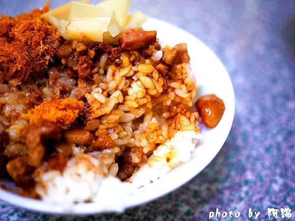 【桃園小吃】大鼎豬血湯-豬血滑嫩似豆腐.豬血湯/炒米粉/豬血糕