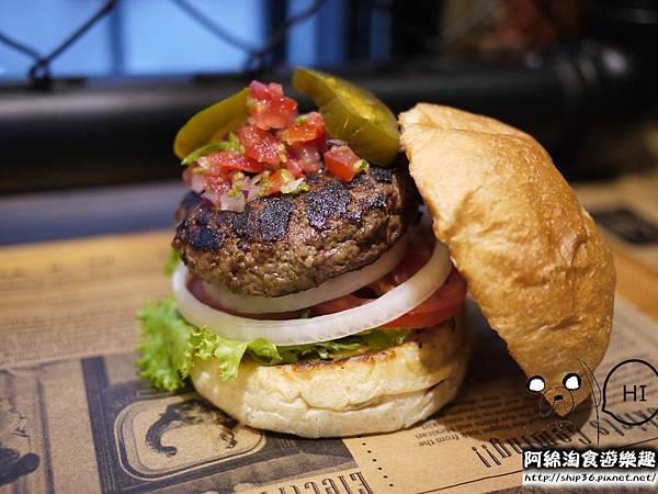 【台北美式】【北捷士林站】Burger Ray-超美味漢堡沒吃到會捶心肝.心臟病堡/鵝肝/巫毒雞腿堡/士林區