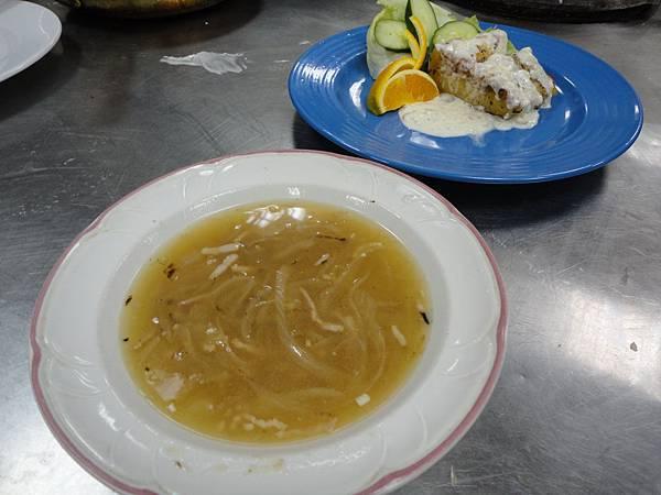 麥年煎鱈魚排佐白酒醬汁