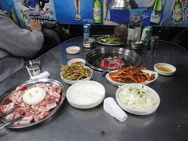 韓國~梨大女人街