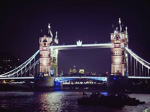 24.英國倫敦塔橋